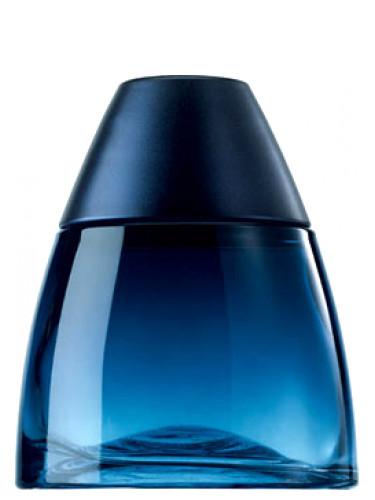 Blue Rush Intense Avon